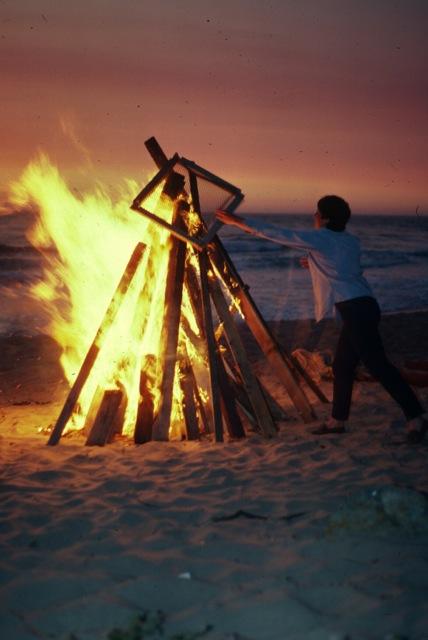 1985_JUL_IndependenceDay_bonfire(1)