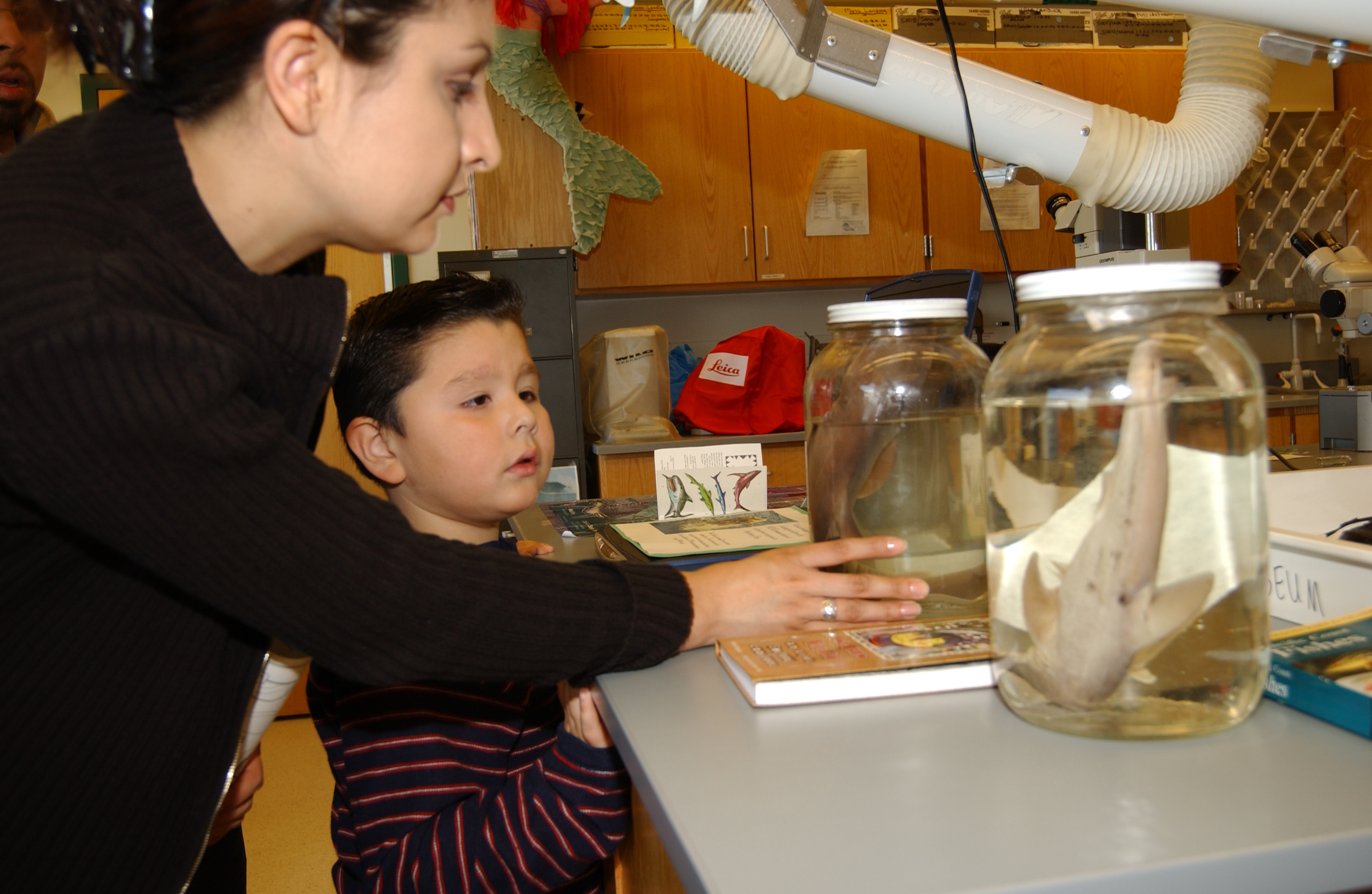*Open House Mom & Child with Fish in jar DSC_0030