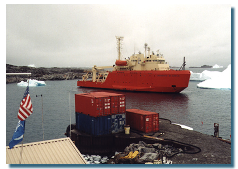 The Laurence M. Gould - built for ice! (Photo by NSF)